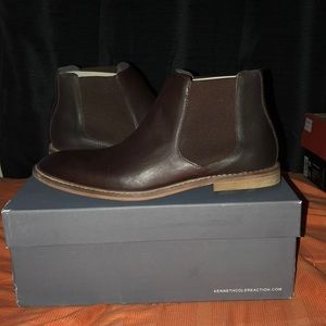 Kenneth Cole (prove-n step) size 10